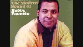 BOBBY PAUNETO AGUANTANDO