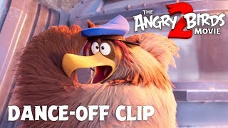 The Angry Birds Movie 2 – Clip: Dance-Off