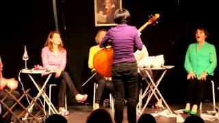Friends' cancan acte 1, Jeudi 8 mai au Luxembourg