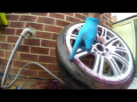 How to clean BMW E46 M3 Cleaning wheels using Auto Finesse Iron Out