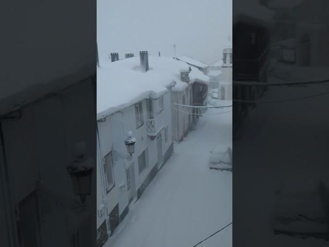 Gran acumulación de nieve en A Fonsagrada
