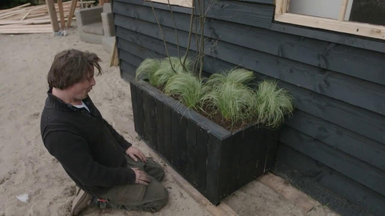 Intratuin zelf een plantenbak maken youtube for Zelf zwembad bouwen betonblokken