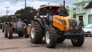 Festa do trator Desfile de tratores. Irineópolis - SC