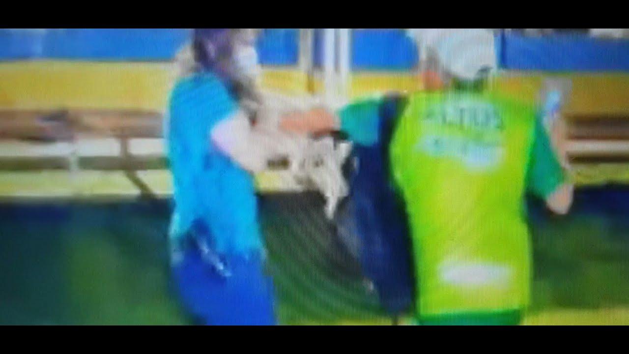 VÍDEO: Jornalista da Globo é agarrada pelo pescoço após filmar briga entre times