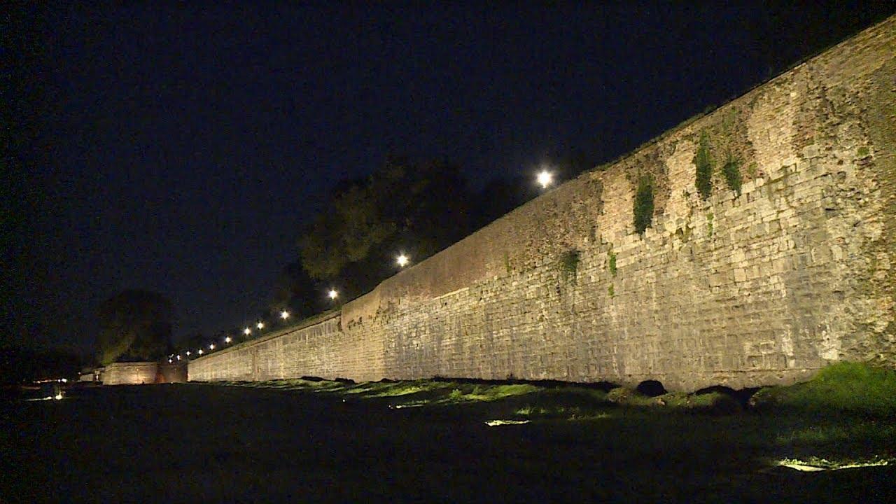 Terminata l illuminazione esterna delle mura urbane youtube