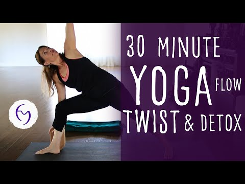30 Min Yoga Vinyasa Flow, Twist and Detox with Fightmaster Yoga