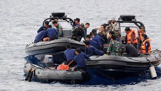 شاهد: إندونيسيا تبحث تحت الماء عن ضحايا كارثة جوية طالت نحو 200 مسافر …