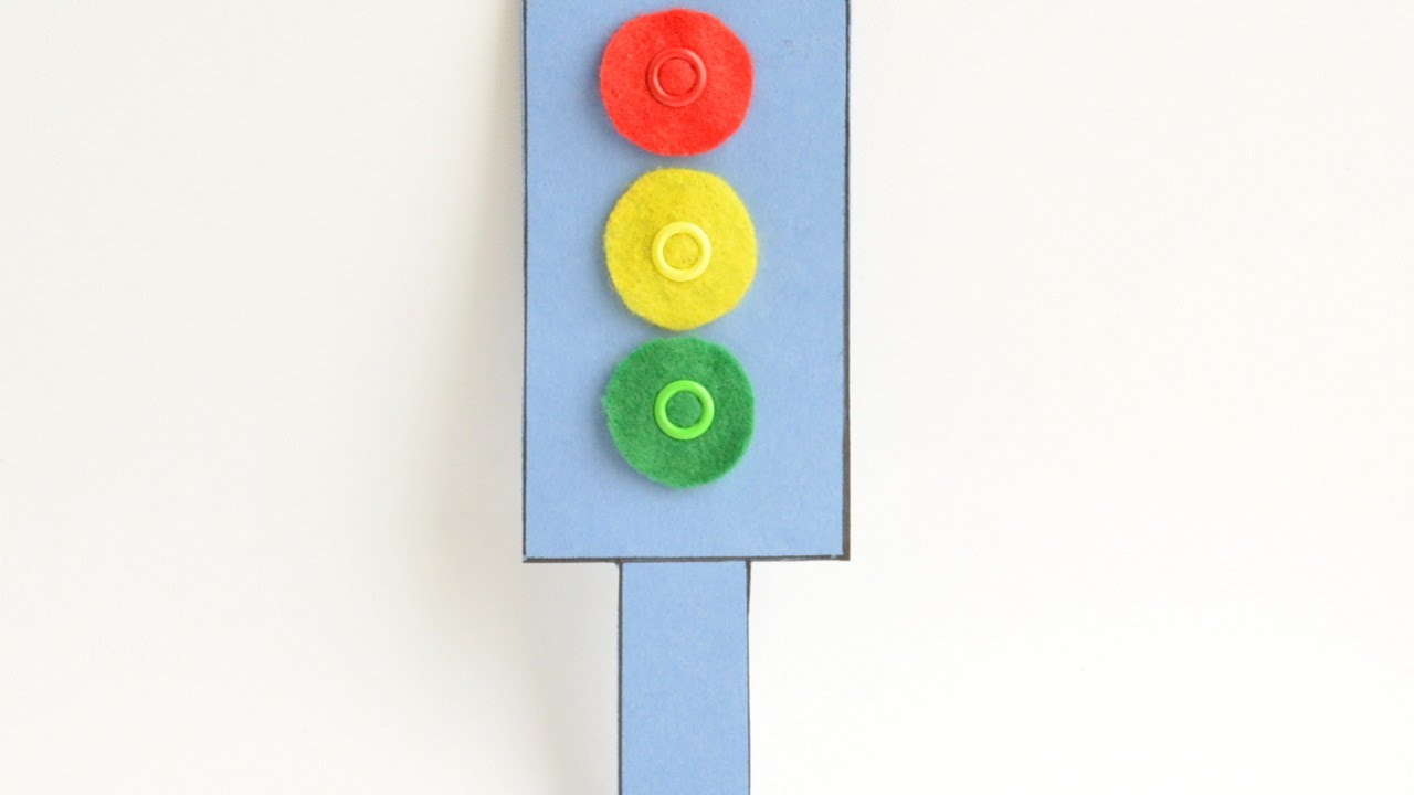 how to make a felt and cardboard traffic light diy crafts