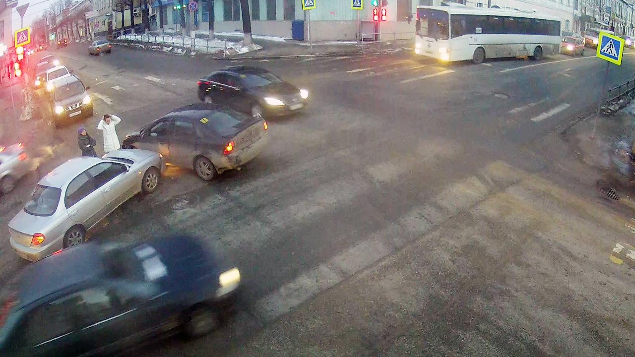 ДТП в Серпухове. Девушка на красный... 15 февраля 2017г.