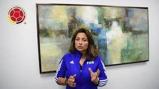 Andrea Rodebaugh, instructora FIFA de Fútbol Base Femenino