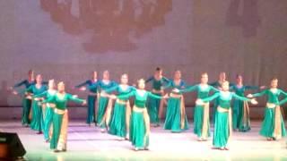 Танец армянских девушек