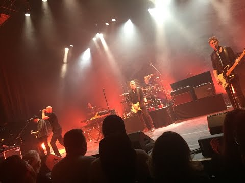 Midnight Oil (Live @ Vic Theatre, Chicago - May 18, 2017)