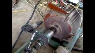 Generator.mp4(Электрогенератор своими руками: ДВС Toyota (4KU)+ асинхронный двигатель на 30 киловатт., 2012-07-03T19:11:25.000Z)