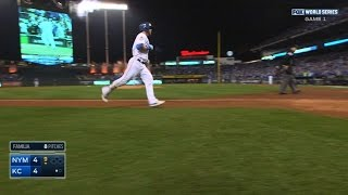 Gordon ties game with solo homer in 9th