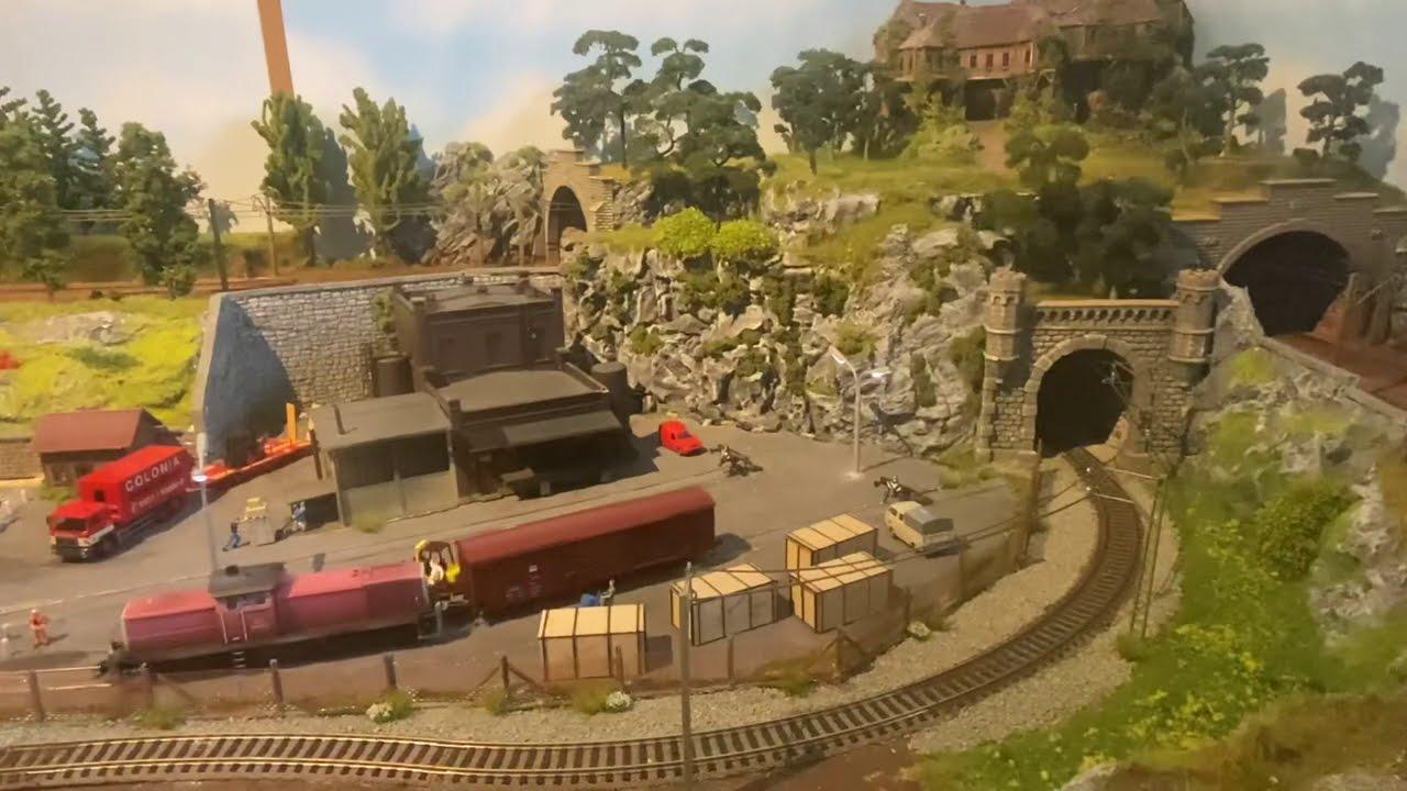 Modellbahn (Danke für 8000 Abonnenten)Kleines Fahrvideo und Info