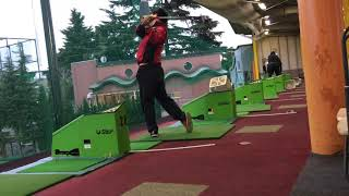 Golf Center in Japan. Indoor golf practice in Japan. 🏌️ 🏌️‍♀️ ⛳️