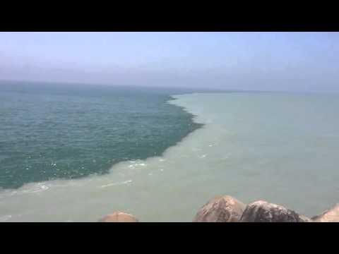 Two Oceans That Meets But Do Not Mix (In Holy Quran) - مرج البحرين يلتقيان بينهما برزخ لا يبغيان