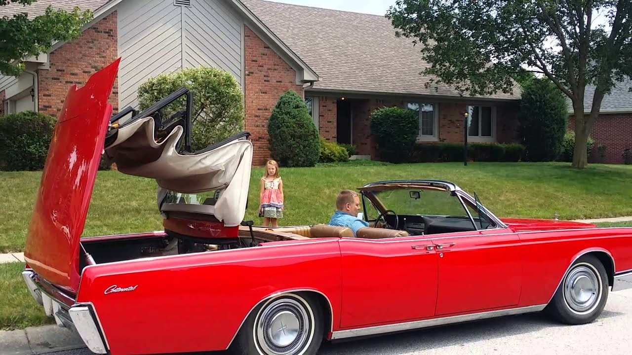 1967 lincoln continental convertible putting the top down youtube. Black Bedroom Furniture Sets. Home Design Ideas