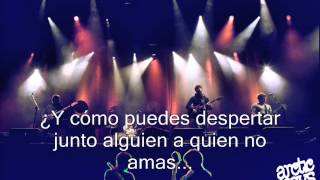 Arctic Monkeys - Leave Before The Lights Come On (Subtitulado Español).