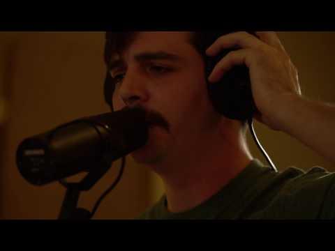 Bayonne - Living Room (Live Loop Version)