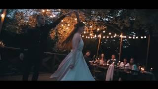 Уютная семейная свадьба на пирсе