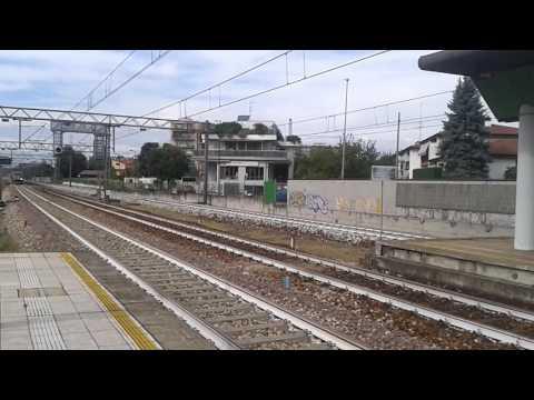 ETR 245 Espresso 352 Malpensa Aeroporto - Milano Cadorna in transito a Novate Milanese