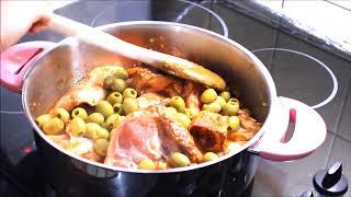 Arapların en ünlü yemeği zeytinli tavuk