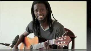 Lamine Sonko sings Lambj / Lutte Senegalaise