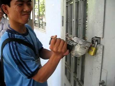 Bẻ khóa và cái kết đắng lòng | Bẻ khóa
