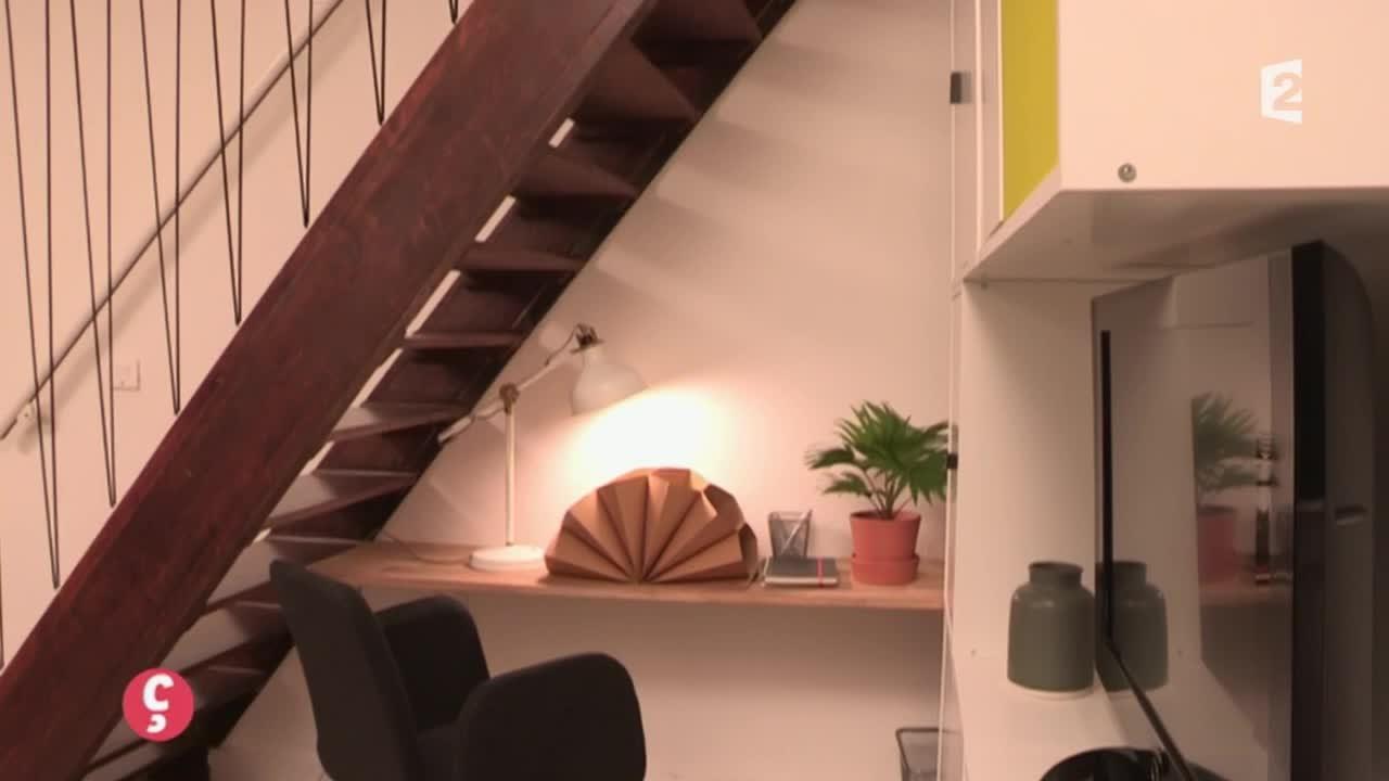 DÉCO] Aménager l\'espace sous l\'escalier #CCVB - YouTube
