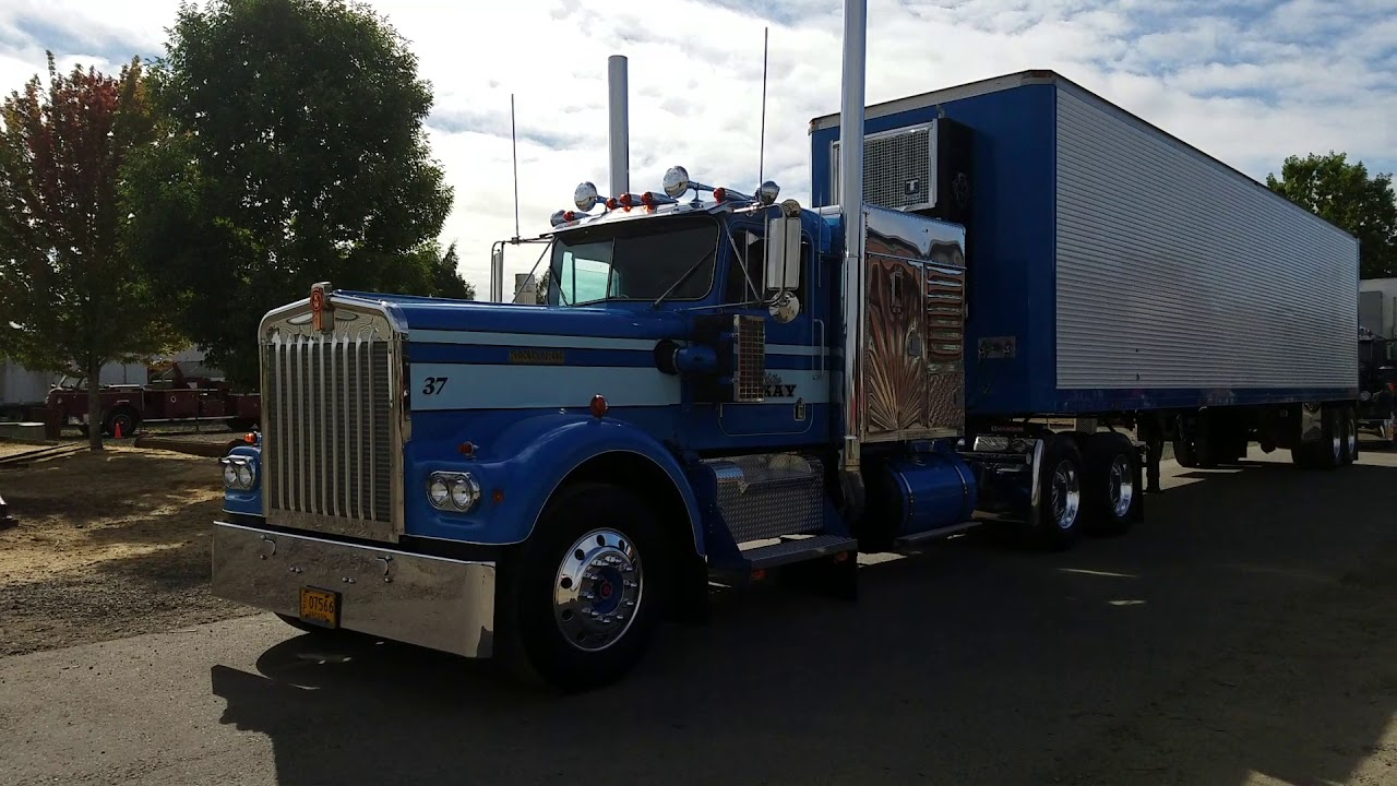 Freightliner For Sale >> 12v71 Detroit Diesel powered 1973 Kenworth with Mercury sleeper and reefer trailer - YouTube