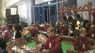 Gambyong Pareanom (Ariska&Khansa), Sanggar Dwija Laras SMPN 6 Kota Kediri, Hall SLG, 19 Nov 2018