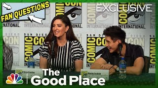 The Good Place Panel Highlight: Fan Questions - Comic-Con 2019 (Digital Exclusive)