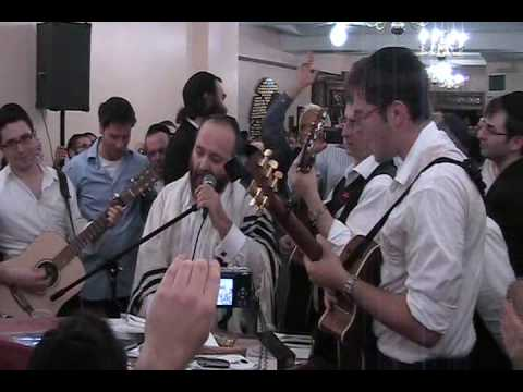 Yehuda Green Moishele's Niggun (Kadish)  At the Carelbach Shul First night of Selichos Good Quality
