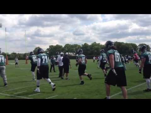 Kelly, Eagles work out to music