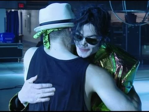 Michael Jackson's hug - L'abbraccio di Michael Jackson