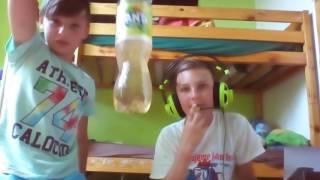 Mikrofon a sluchatka s lukynem more