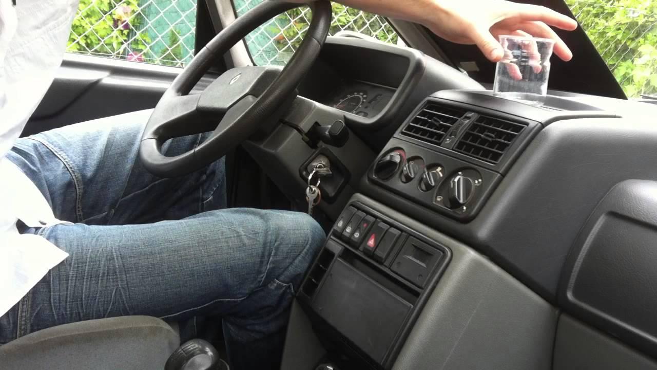 comment enlever l 39 odeur de tabac de votre voiture astuce auto enlever odeur tabac youtube. Black Bedroom Furniture Sets. Home Design Ideas