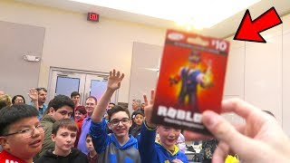 Giving Robux To Fans In Real Life!