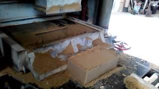 Изготовление прессованного кирпича(Смотри видео поймёшь., 2015-04-30T20:44:59.000Z)