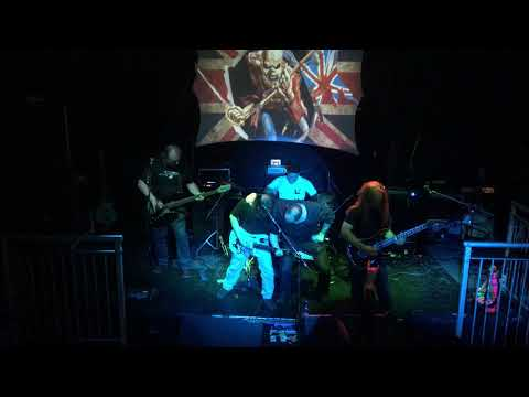 CONNOR BYRNE IRON MAIDEN cover with SHRED at Swindon gig 7 10 2017 14