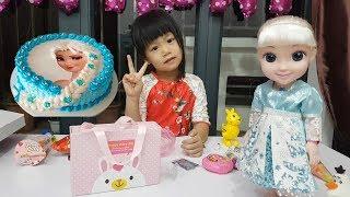 Birthday Party with Elsa Birthday Cake, SURPRISE Toys In Birthday Gift Boxes, BaBiBum