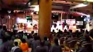 先日鐘山苑で行われた太鼓ショーです。