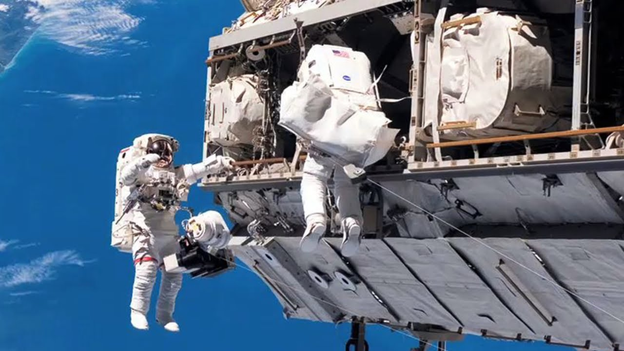 5 Mind-Blowing Facts About Spacewalks - YouTube