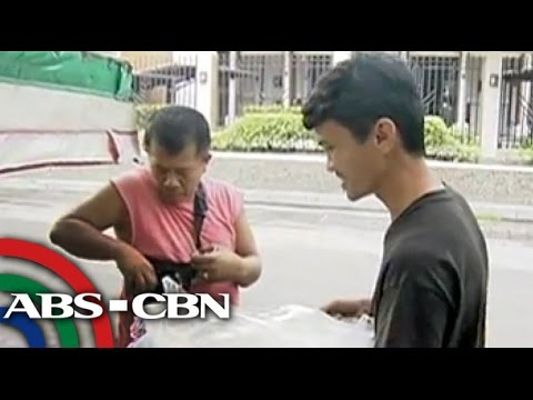 Rated K:Viral English-speaking Banana Cue Vendor Shares Story