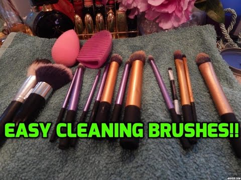 Easy HOW TO clean makeup brushes & beauty blender!!