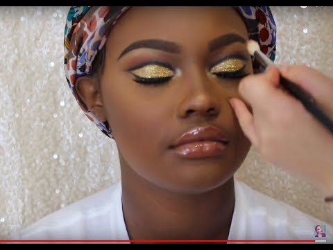 How I do Makeup on Clients | Gold Glitter Cut Crease | NYE Makeup | WOC