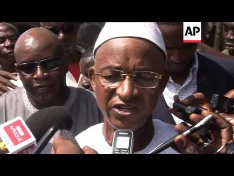 Guinea Opposition candidate Diallo votes