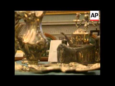 ITALY: ROME: MUSSOLINI'S BELONGINGS ON SHOW