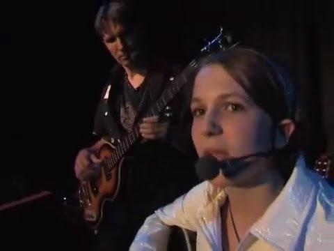 Knocking On Heaven's Door - MonaLisa Twins (Bob Dylan Cover) live!